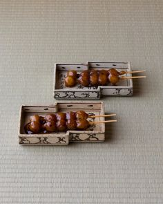 Japanese sweets Dango on the ceramic plates made by Kenzan OGATA (1663-1743)