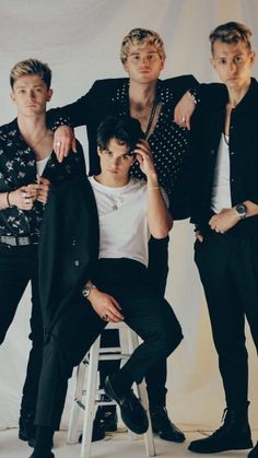 The Vamps😎🤗 I chose the vamps because I really like their songs. I went to their concert and enjoyed my time there. I listen to songs by the vamps also. Bradley Simpson, Music X, Music Bands, Brad The Vamps, Vamps Band, Married In Vegas, Will Simpson, 5sos Pictures, British Boys
