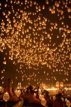 Loy Kratong Floating Lanterns in Chiang Mai - Thailand