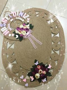This Pin was discovered by DİL Sisal, Rope Crafts, Burlap Crafts, Pallet Wall Decor, Diy Wall Decor, Hobbies And Crafts, Diy And Crafts, Jute, Rope Pendant Light
