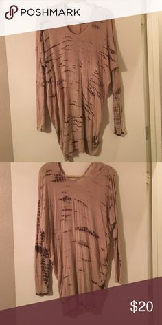 """Long sleeve oversized top Tan and dark brown """"tie dye (ish)"""" top. Super cute with leggings and boots Enti Tops Blouses"""