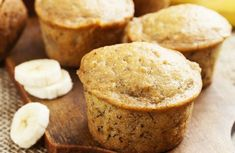 Best Banana Muffins in the World. This easy muffin recipe is so simple to bake that is is a perfect for those who have little to no experience in the kitchen. These moist muffins are a great breakfast recipe, but they also make nice after school snacks. Yogurt Recipes, Banana Recipes, Muffin Recipes, Breakfast Recipes, Dessert Recipes, Breakfast Muffins, Mini Muffins, Low Fat Muffins, Banana Breakfast