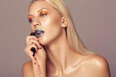 gloss make up step 1 - Blue and orange