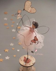 I like it: comments: 25 - Daniela CortiWire and fabric doll craft for kids Wire Crafts, Diy And Crafts, Crafts For Kids, Arts And Crafts, Paper Crafts, Wire Art Sculpture, Sculptures, Diy Art, Diy Y Manualidades