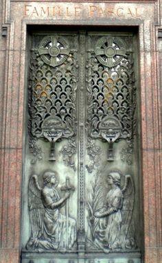 I adore ..this ...door
