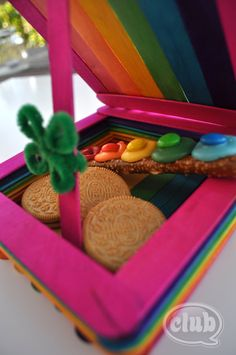 Rainbow Leprechaun Trap!!!  Feeling lucky? You may want to set your own leprechaun trap and try for some extra luck. Fun and simple St. Patrick's Day craft idea.