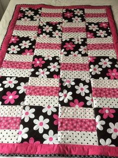 This is a machine sewn pretty Floral inspired cotton quilt/throw.Floral quilt, flowers, baby blanket, baby quilt, Michael Miller fabric by Ladylovesfabric on Etsy It measures 41 by 58 inches.for idea i may use recycled girls boys clothes.Gina and Mal Baby Girl Quilts, Quilt Baby, Boy Quilts, Girls Quilts, Rag Quilt, Baby Quilts Easy, Quilts For Kids, Amish Quilts, Quilt Top
