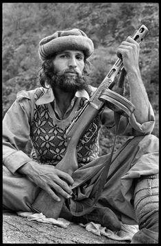Young moudjahid, Kunar, Afghanistan, 1980. STEVE MCCURRY