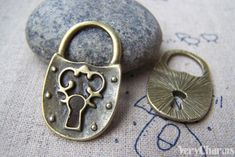 10 pcs of Antique Bronze Lovely Lock Charms Picture Frame Projects, Jewellery Making Materials, Pendant Set, Antique Silver, Charms, Buy And Sell, Bronze, Personalized Items, Antiques