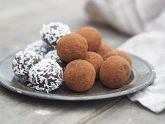 nyttiga chokladbollar Dinner With Friends, Fika, Raw Food Recipes, Lchf, Paleo, Snacks, Vegan, Cookies, Chocolate