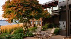 Lake Washington residence / Allworth Design : Landscape Architecture '/ Photography: John Granen