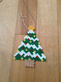 Christmas tree hama perler beads by Claudia Vendette Hama Beads Design, Diy Perler Beads, Perler Bead Art, Christmas Perler Beads, Beaded Christmas Ornaments, Christmas Crafts, Christmas Tree, Melty Bead Patterns, Beading Patterns