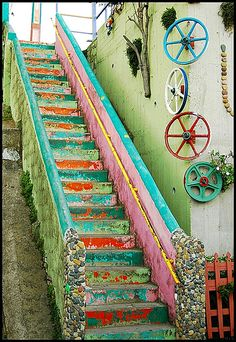 - 18 Beautifully Painted Stairs From All Over The World - 18 Beautifully Painted Stairs From All Over The World Valparaiso, Chile - Stairway To Heaven, Stairway Photos, Stairway Art, Balustrades, Banisters, Stair Steps, Stair Risers, Take The Stairs, Painted Stairs