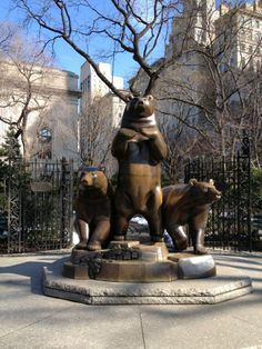 This is not the zoo. This is 79th & 5th Central Park Entrance. Three bronze bears.