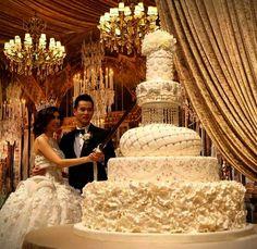 Top 13 Most Beautiful Huge Wedding Cakes |