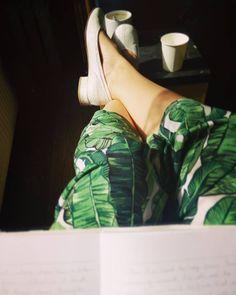 Lang geleden dat ik weer de tijd nam om te schrijven. Vergeten hoe fijn dat was   It's been a while since I've taken the time to write. I forgot how good it felt #workworkwork #wieschrijftdieblijft #writeyourheartout #ootd #love #brightcolors #prints #fblogger #fashionblogger