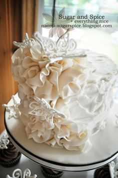 How to make fondant ruffles for cakes