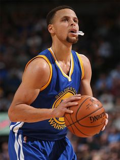 Warriors Guard Stephen Curry Named Kia NBA Most Valuable Player Stephen Curry Basketball, Nba Stephen Curry, Best Nba Players, Basketball Players, Basketball Pictures, Sports Pictures, Golden State Warriors, Stephen Curry Photos, Curry Wallpaper
