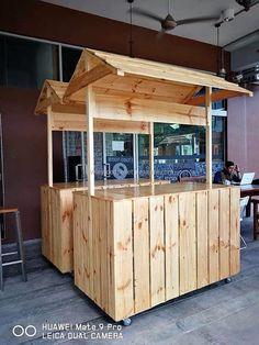 repurposed wood pallet bar Source by joevinup… Wood Pallet Bar, Wood Pallet Furniture, Wooden Pallets, Mobile Food Cart, Food Cart Design, Sweet Carts, Kiosk Design, Food Stands, Coffee Shop Design