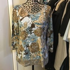 Like new shirt by Liz & Co. Super cute like new shirt by Liz & Co. Perfect to wear anywhere size medium rayon and polyester 3/4 sleeve Liz Claiborne Tops Tees - Short Sleeve
