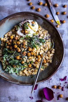 """Quick + Simple Pasta """"Risotto""""€ with Herbed Roasted Chickpeas 