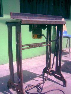 3 mesa para router hecha con estructura de maquina de coser.jpg