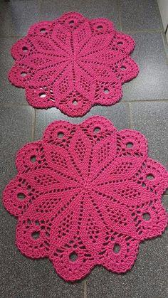 Flower crochet doilies, Crochet placemats, Cotton beige doilies, Thanksgiving gift idea - Her Crochet Free Crochet Doily Patterns, Crochet Coaster Pattern, Crochet Motif, Hand Crochet, Free Pattern, Crochet Stone, Love Crochet, Crochet Dollies, Crochet Tablecloth
