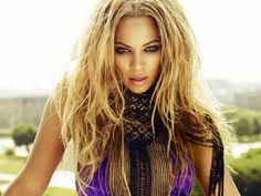 Buy Beyonce Concert Tickets and get your preferred seats reserved. Access information on Beyonce Concert Tour Dates. Beyonce Album, Beyonce Show, Beyonce Songs, Black Celebrities, Celebs, Rihanna, Different Shades Of Blonde, Valentines, Concert