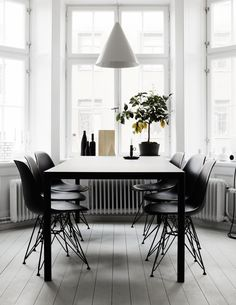 my scandinavian home: The incredible monochrome home of Therese Sennerholt | black dining