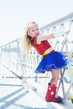 A super hero in all of us {Wonder Woman} / Veronica Swallow Photography {Children}.