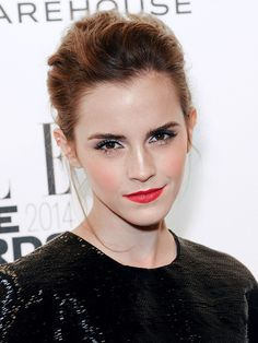 The Beauty Evolution of Emma Watson, from Bare-Faced Hermione to Red-Carpet Queen Lipstick Shades, Lipstick Colors, Lip Colors, Beauty Trends, Beauty Hacks, Makeup Articles, Emma Watson Beautiful, Emma Watson Sexiest, Elle Style Awards
