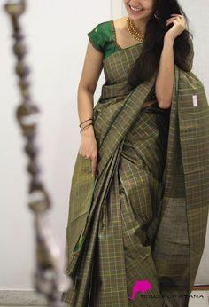 Wedding Silk Sarees Online Buy Kanchipuram Wedding Sarees Banarasi - House of Ayana Kerala Saree Blouse Designs, Half Saree Designs, Fancy Blouse Designs, Blouse Neck Designs, Blouse Patterns, Simple Sarees, Saree Trends, Saree Models, Stylish Sarees