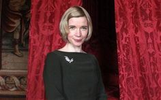 Love the neckline of this dress Dr Lucy Worsley, Photography Movies, Bbc Two, She Is Gorgeous, I Love Lucy, Tv Presenters, British History, Celebs, Celebrities