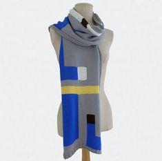 Echarpe Graphique en tricot intarsia, Tribute to Italian Design Scarves, Knitting, Crochet, Etsy, Design, Fashion, Tricot, Bicolor Cat, Wool