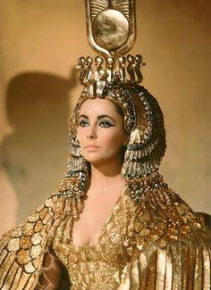 Cleopatra- 1963. Vittorio Nino Novarese and Renie Costume Designers. #fashion