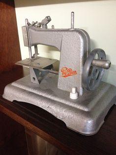 Machine à coudre enfant vintage «Piq-Bien»