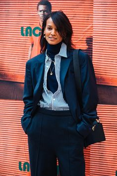 Take a look at some of the best street style looks spotted at the most fashionable shows of Paris Fashion Week Fall/Winter Cool Street Fashion, 70s Fashion, Street Chic, Fashion Week, New York Fashion, Paris Fashion, Doutzen Kroes, Look Street Style, Street Style Looks