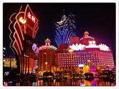 MACAU is one of the well known place that catch my attention which is located on southeast coast of China. This place is one of my dream that I want to visit the gambling Mecca, it is a place to find the traditional Chinese culture while enjoying the exotic Portuguese buildings.