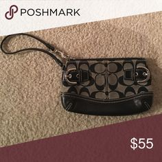AUTHENTIC Coach Wristlet No signs of wear. Great condition Coach Bags