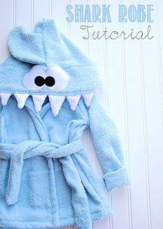 Shark Baby Robe Tutorial by Crazy Little Projects.t's a baby hooded shark robe! Easy Sewing Projects, Sewing Projects For Beginners, Sewing Hacks, Sewing Tutorials, Tutorial Sewing, Sewing Tips, Sewing Ideas, Diy Projects, Love Sewing