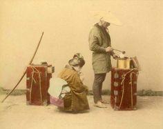 In mostra sono esposte le opere di alcuni grandi fotografi delle origini, primo fra tutti Felice Beato (1833 – 1907) che insieme a Raimund von ..