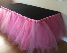 Ideas Baby Shower Table Skirt Minnie Mouse For 2019 Baby Girl Shower Themes, Girl Baby Shower Decorations, Baby Shower Table, Birthday Party Decorations, Tutu Table, Tulle Table Skirt, Diy Tutu, Barbie Party, Pink Tulle