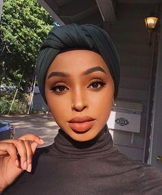 Dark Skin Makeup, Natural Makeup, Hair Makeup, Makeup Desk, Makeup Bags, Makeup Brushes, Hair Wrap Scarf, Hair Scarf Styles, Black Girl Makeup