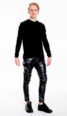 Leather Fashion, Leather Pants, Trousers, Guys, Sweatshirts, Sexy, Model, How To Wear, Black