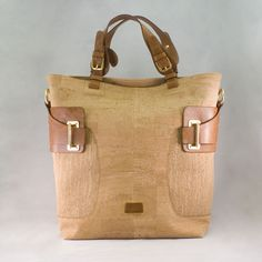 Premium cork handbags, made in Portugal. Whether its a day at the beach, a long…