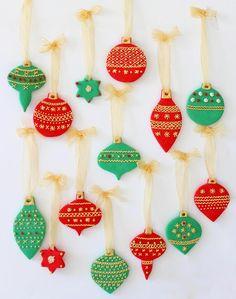 Postreadicción galletas decoradas, cupcakes y pops: Galletas decoradas: bolas de Navidad