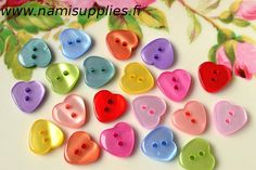 ON SALE 40 Red Heart Buttons  Shiny Heart Buttons  by NamiSupplies, €1.20