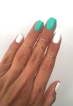 4 Midi Rings in Gold Chevron and Simple Band by MyRingsAndThings