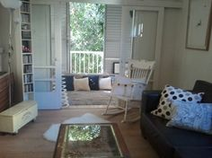 Laminate floor apartment in Tel Aviv  פרקטים בתל אביב למינציה  יורם פרקט טל: 050-9911998 http://www.2all.co.il/web/Sites1/yoram-parquet/PAGE1.asp