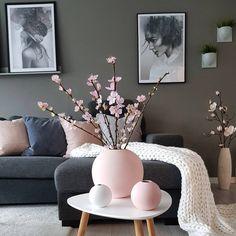 Is To Me - Skandinavisches Design, Haushaltswaren, Accessoires und mehr, Home Living Room, Living Room Designs, Living Room Decor, White Home Decor, Living Room Inspiration, Room Colors, Modern Decor, House Design, Interior Design
